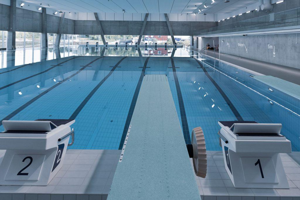 Tromsøbadet har landets nordligste 50-meters konkurransebasseng med olympiske mål og kvaliteter.