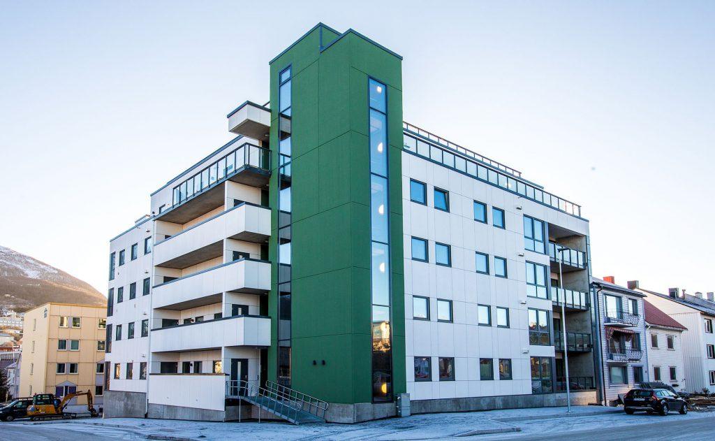 Parkeringsanlegg, glassbalkonger og en formidabel takterrasse med 360 graders utsikt er det som kjennetegner de nye leilighetene i Kirkegata 52.