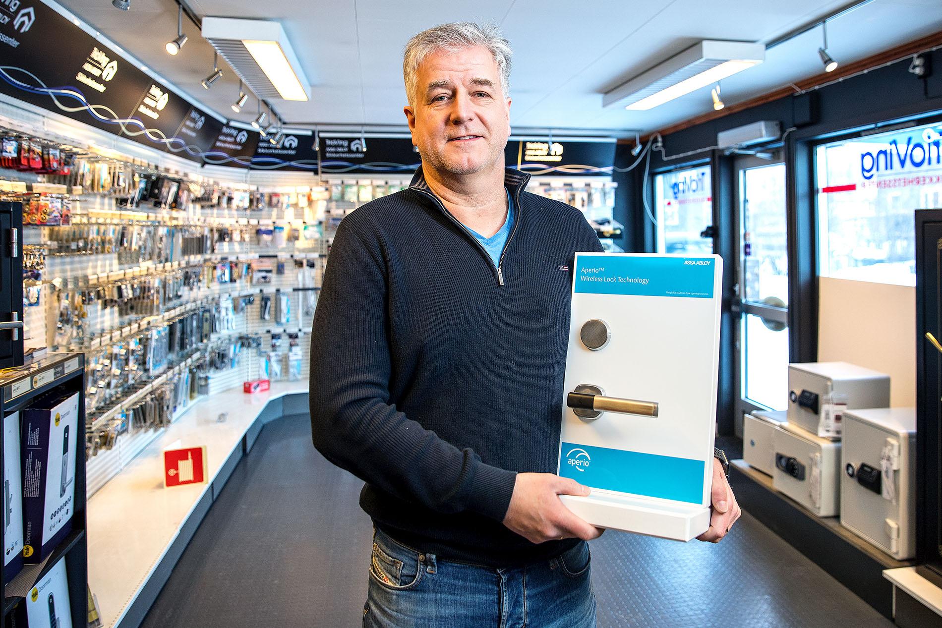 Nye Vesterålen Lås og Sikkerhet blir å utføre service og vedlikehold på alle anlegg vi har levert i regionen opp igjennom årene, informerer Frode Bratsberg hos Hålogaland Lås og Sikkerhet.