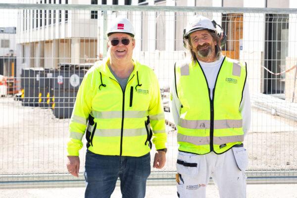 Daglig leder og malermester Roger Aanvik i Helgeland Malerservice har gjennomført bedriftens største oppdrag noensinne ved Brønnøysundregisteret sitt nye bygg.