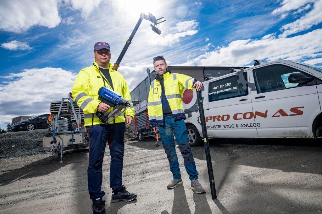 Roger Bjørklund og Tommy Sandby hos Pro Con Bygg AS har hektiske, men spennende dager i en solid bedrift i vekst.