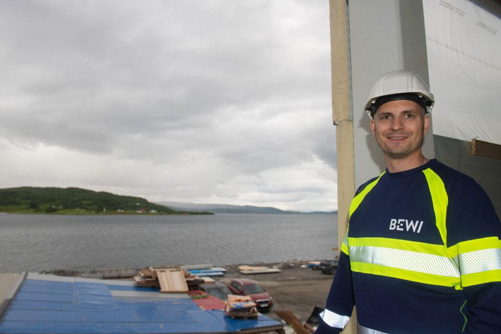 Morten Bondestad (34) skal lede produksjonen i den nye fabrikken til BEWI EPS Norway AS på 3.500 kvadratmeter.