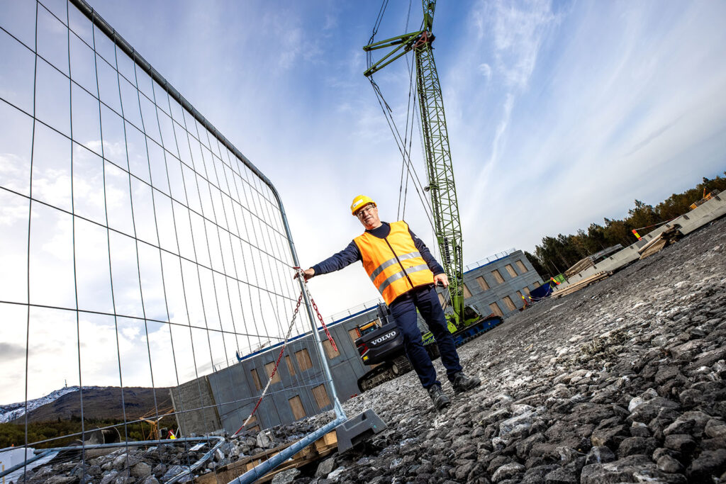 Nordland Betongelement skal levere 25.000 m2 hulldekke til nye Narvik sykehus.