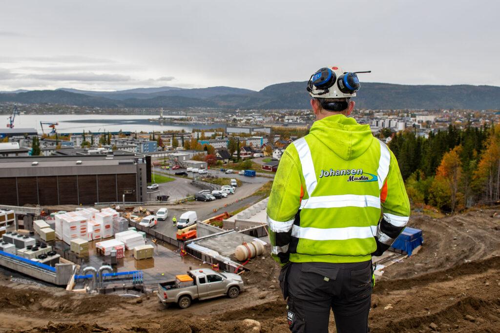 Johansen Maskin AS startet opp i 2003 har i dag 20 ansatte og en stadig voksende maskinpark.